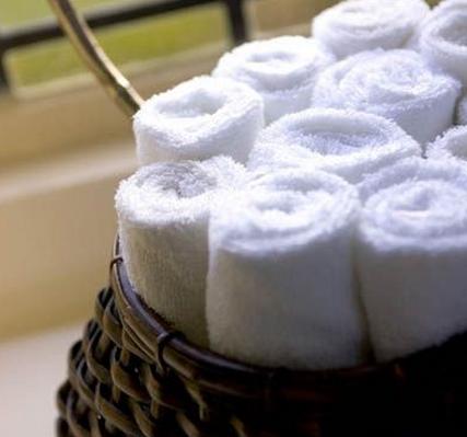 10-linges-serviettes-draps-debarbouillettes-rideau-tapis-salle-de-bain-decoration-meubles-quebec-canada