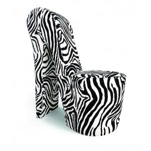 chaise-chaussure-zebre-avantage-meubles-decorer-un-salon-trucs_conseils_comment_decoration_design_interieur_ameublement_quebec_canada