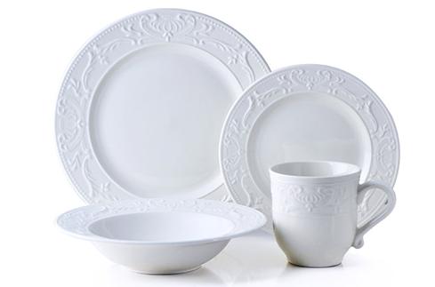bowring-vaisselle-couvert-assiettes-couverts-quotidiens-couverts-de-tous-les-jours-assiettes-de-tous-les-jours-decorer-cuisine-idees-solutions-trucs_conseils_comment_decoration_design_interieur_ameublement_quebec_canada
