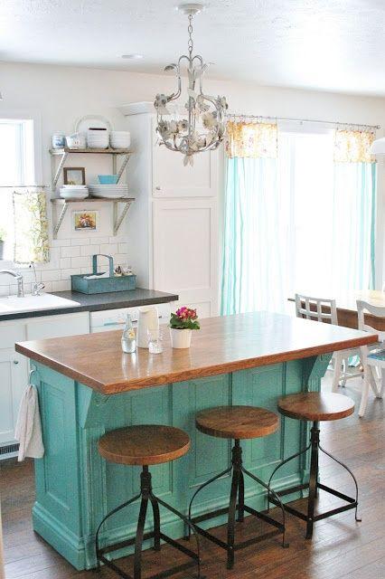 ilot-de-cuisine-en-i-rectangulaire-meubles-de-cuisine-decorer-cuisine-idees-solutions-trucs_conseils_comment_decoration_design_interieur_ameublement_quebec_canada