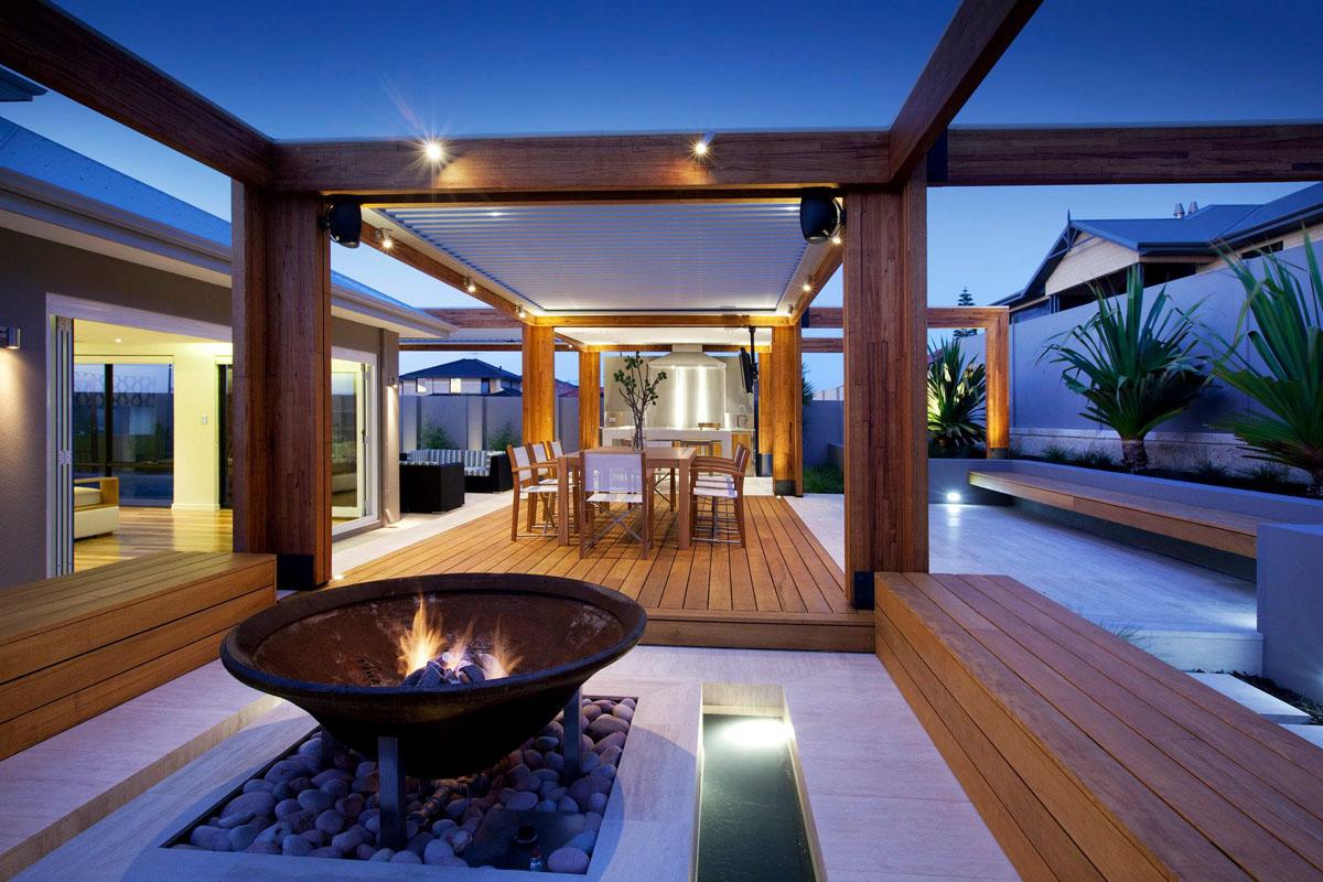 Le prolongement naturel d'une maison, c'est un espace au grand air bien intégré. SOURCE: http://imaginebackyard.com