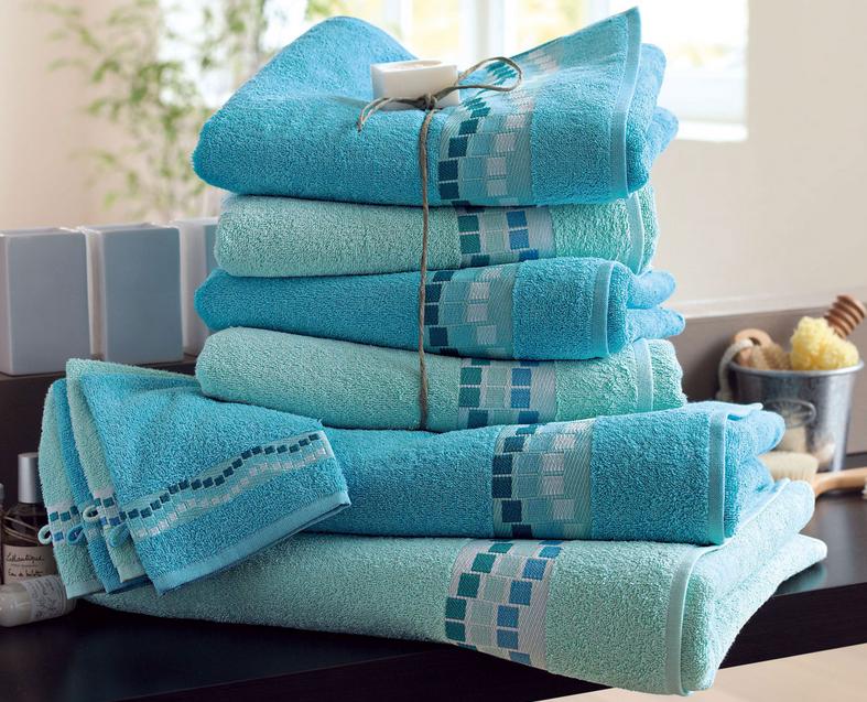 7-linges-serviettes-draps-debarbouillettes-rideau-tapis-salle-de-bain-decoration-meubles-quebec-canada