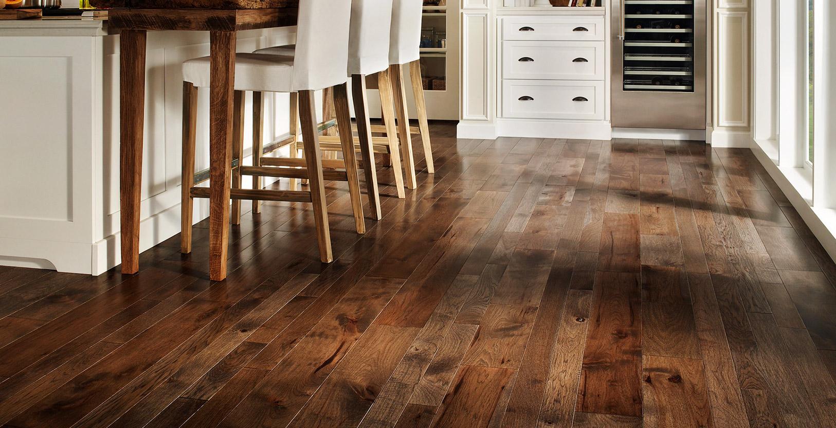 comment choisir le bon rev tement de plancher. Black Bedroom Furniture Sets. Home Design Ideas
