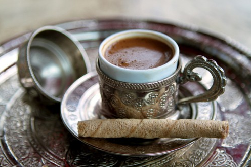 cafe-espresso--bar-cellier-refroidisseur-cave-vin-vins-salle-a-manger-the-cafe-decoration-meubles-quebec-canada