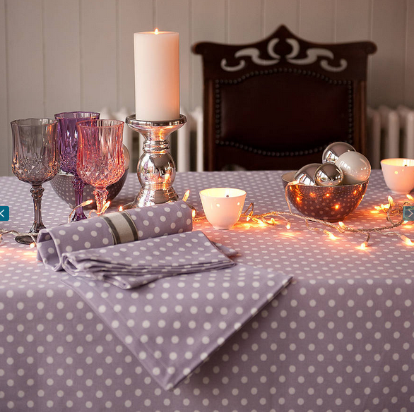 decor-pois-nappes-napperons-chemin-art-de-la-table-salle-a-manger-decoration-meubles-quebec-canada