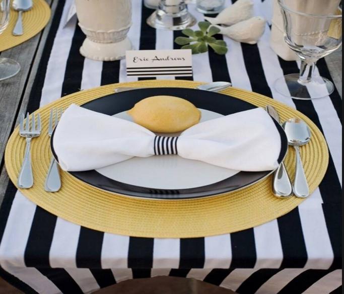 salle manger comment choisir les linges de table nappes et napperons. Black Bedroom Furniture Sets. Home Design Ideas