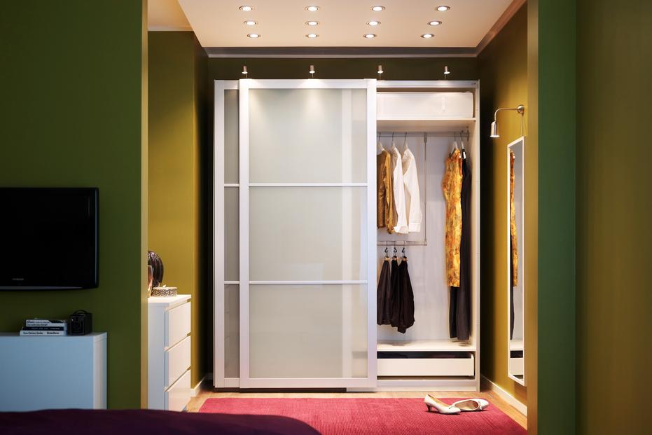 Rangement walk in garde robe unit murale armoire - Idee de rangement pour garde robe ...