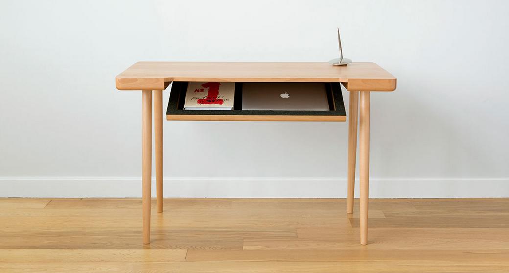 bureau trucs et astuces pour camoufler fils et c bles inesth tiques. Black Bedroom Furniture Sets. Home Design Ideas