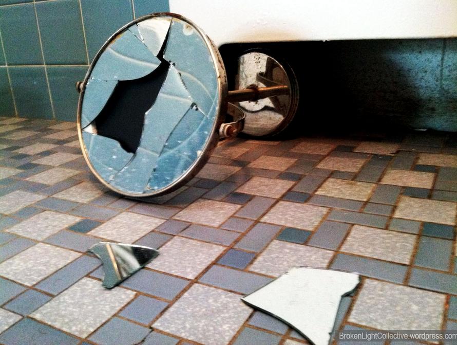 garantie-miroirs-de-salle-de-bain-decoration-meubles-quebec-canada