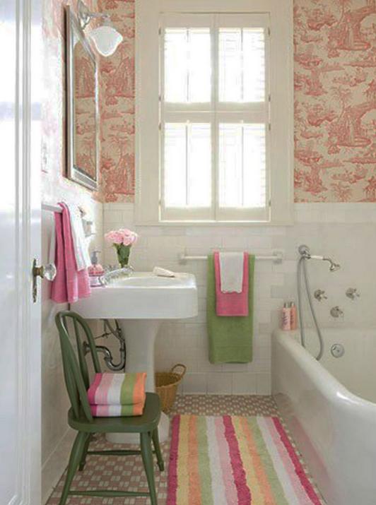 imprimes-textures-couleurs-vives-idee-decor-petite-salle-de-bain-meubles-quebec-canada