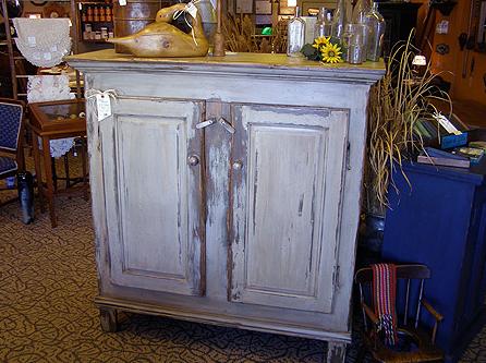 l_authentique-reproductions-meubles-style_decor_decoration_chabby_chic_ameublement_quebec_canada