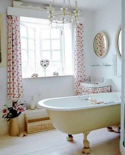 stores-et-rideaux-courts-habillage-de-fenetres-salle-de-bain-decoration-meubles-quebec-canada