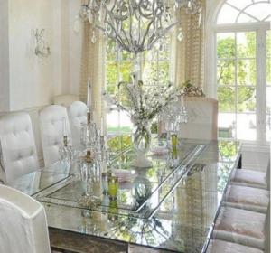 verre-salle-a-diner-salle-a-manger-comment-meubler-decoration-meubles-quebec-canada